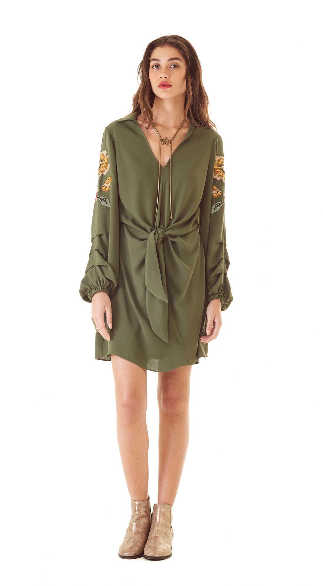 31c08e399133 Vestido Curto Decote V Bordado Verde - Zinco